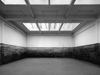 Van Dijck_Sea_ site specific charcoal drawing_Installation view at Croxhapox_Ghent_ 2012_Photo_Filip Dujardin.jpg